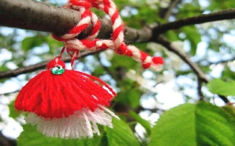 3589872-Martenitsa_on_a_tree_Bulgaria_b2