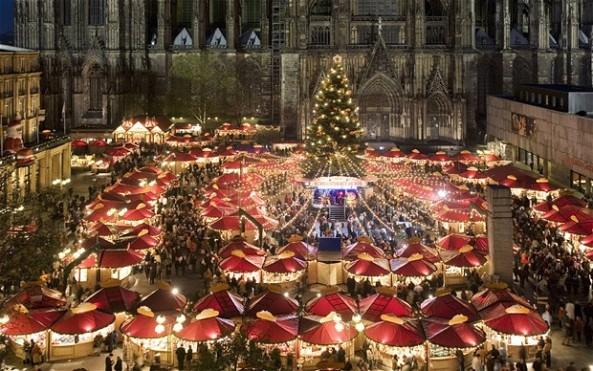 christmas-market-c_2410893b