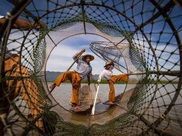 inle-lake-fishermen_94272_990x742