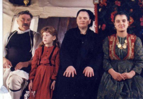 βλάχοι-βέροιας-10ετία-1980-Aναπαράσταση-Οικογένειας-768x535