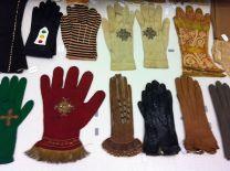 Centre_de_Documentació_Museu_Tèxtil_de_Terrassa-_Reserves-_Teixits-_Guants002