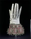 gloves 1600