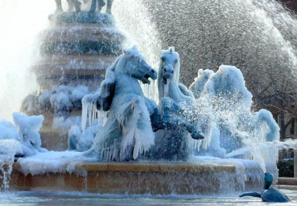 frozen-fountain.jpg.653x0_q80_crop-smart