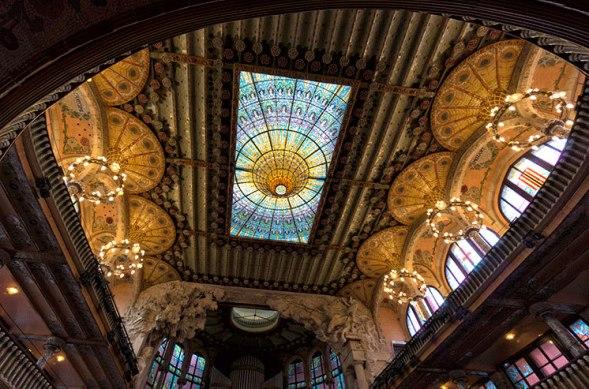 la-musica-catalana-ceiling-barcelona-day-trips