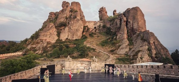 Performance-of-the-Sofia-opera-and-ballet-Opera-of-the-peaks-770x355
