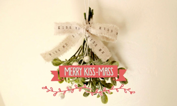 SMHK-hero-mistletoe-christmas-kissmass