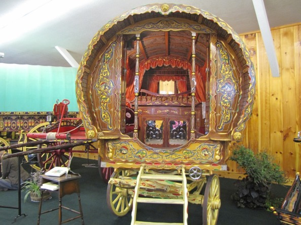 gypsy-wagon-vardo-5