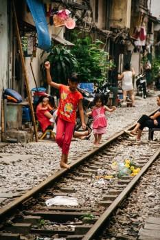sctp0014-pocock-vietnam-hanoi-railway-05-3-1