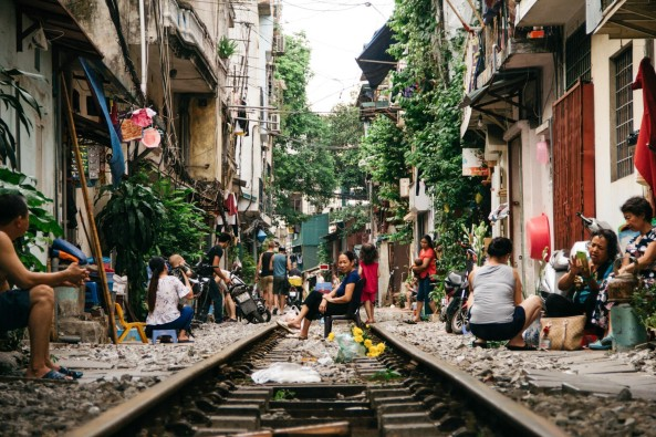 sctp0014-pocock-vietnam-hanoi-railway-08-4-1